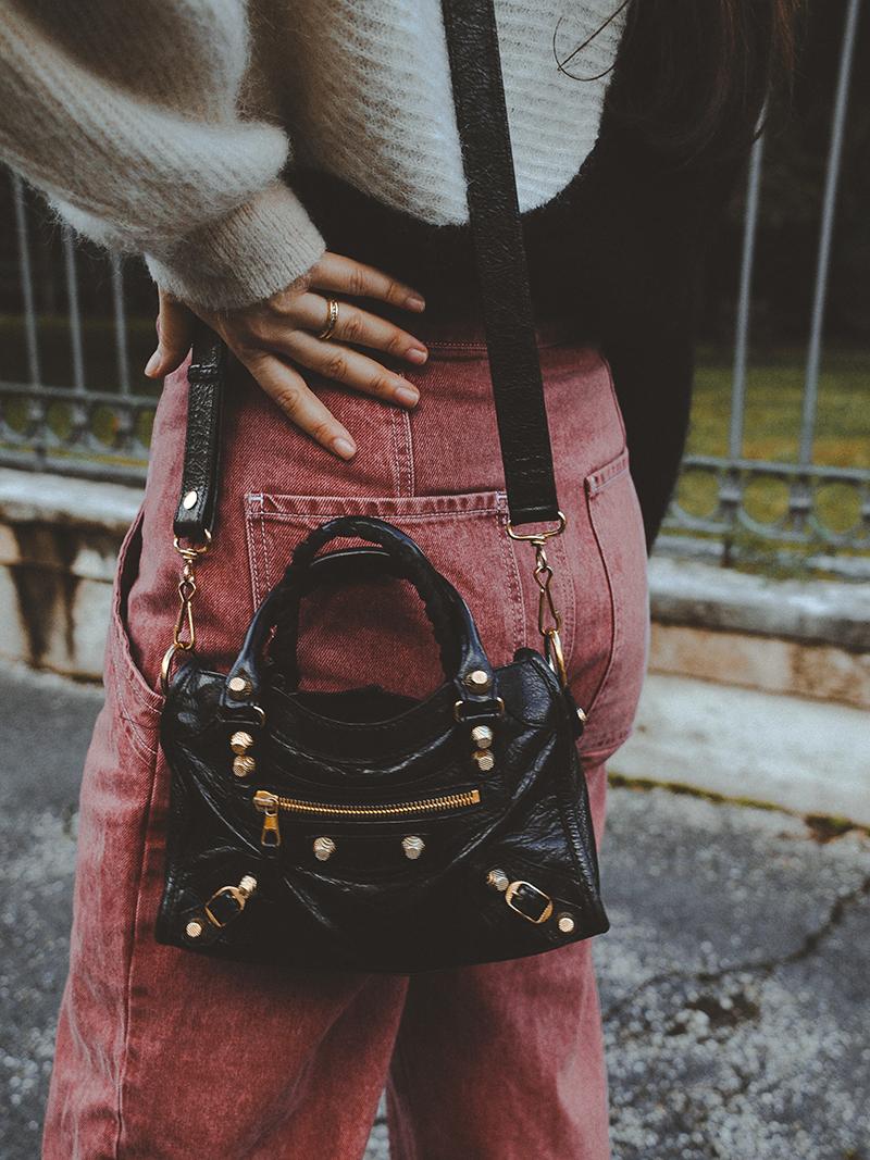 jeans rosa Asos e borsa Balenciaga