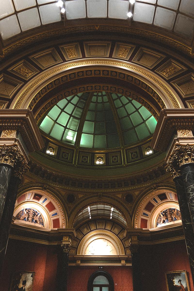 interno della national gallery a londra